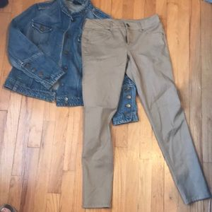 NWOT, Maurice's tan stretch pant.